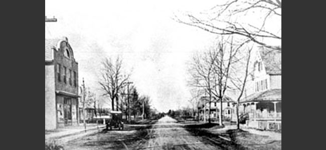 Looking down Broadway in what was then called Old Fields (now Greenlawn)
